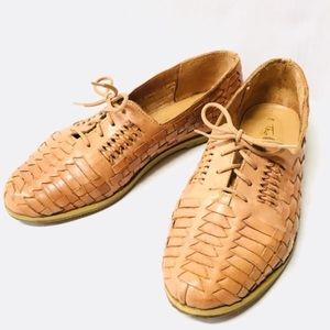 Vintage Thom McAn leather lace huaraches shoes 8.5
